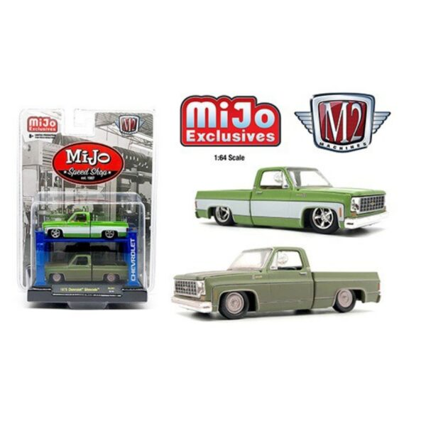 M2 Machines Auto Lift 1975 Chevy Silverado Speed Shop 2 Pack 1:64 - Verde