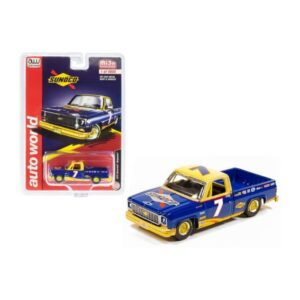 Auto World 1973 Chevrolet Fleetside SUNOCO Racing Edición Limitada de 4,800 piezas - Azul